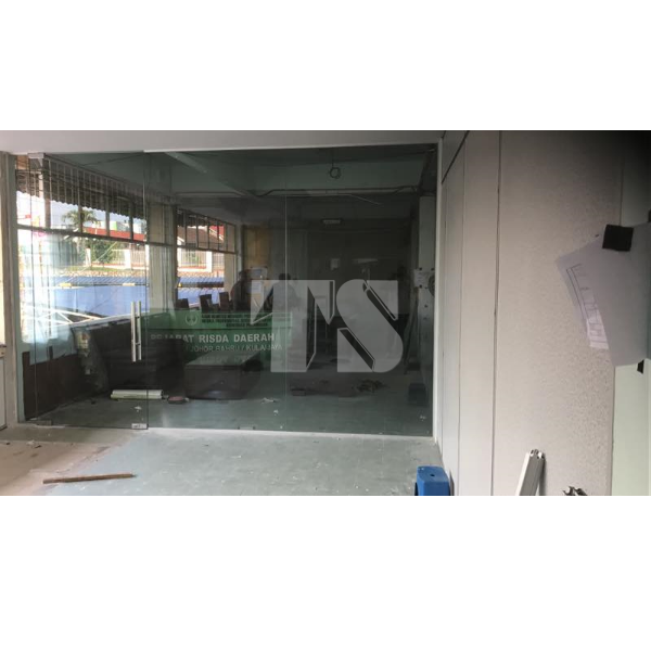 Tempered Glass Wall Partition